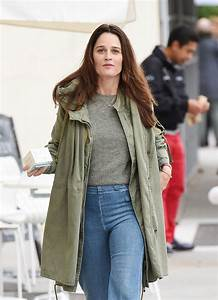 ROBIN TUNNEY Out for Shopping in Beverly Hills 01/04/2017 ...