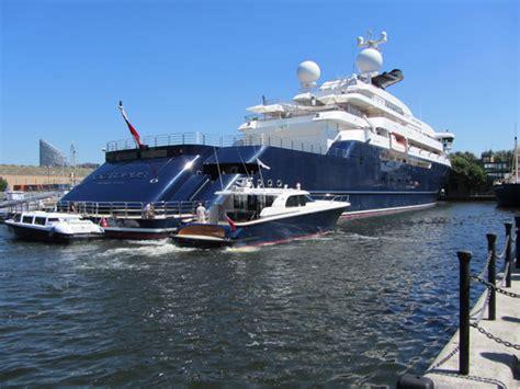 london olympics  octopus    superyachts
