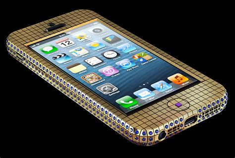 iphone 100000 studded gold iphone 5 sells for 100 000