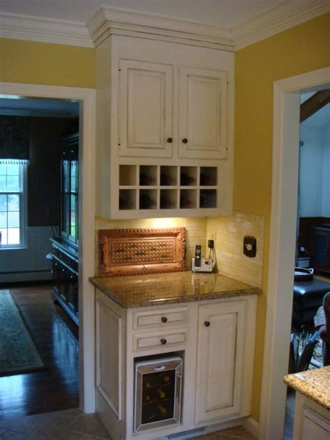 kitchen designs layouts 106 best images about bed kennel in cabinet ideas on 5608