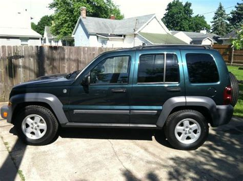 lowered jeep liberty buy used lower price 2005 jeep liberty limited sport