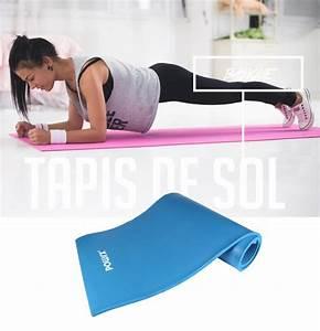 musculation a la maison pour femmes forgez vous un With tapis de yoga avec couvrir son canapé
