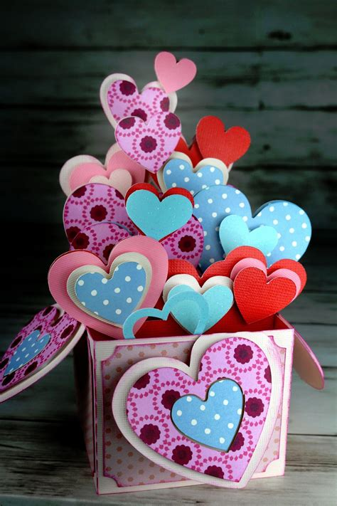 valentines day pop  box card hearts bouquet