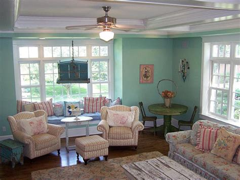 Aqua Colored Home Decor: Brighten Up A Palette With Turquoise