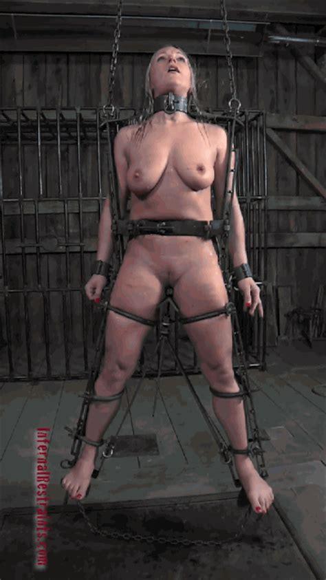 Blonde Slave Loves Fucking Herself Theholeman