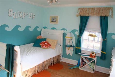 Kleines Kinderzimmer Für Junge Und Mädchen by Kinderzimmer Deko Ideen Motto Surfen Wandgestaltung Wellen