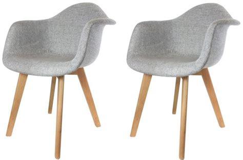 chaises tissus lot de 2 chaises scandinaves avec accoudoir tissu grises fjord chaise design pas cher