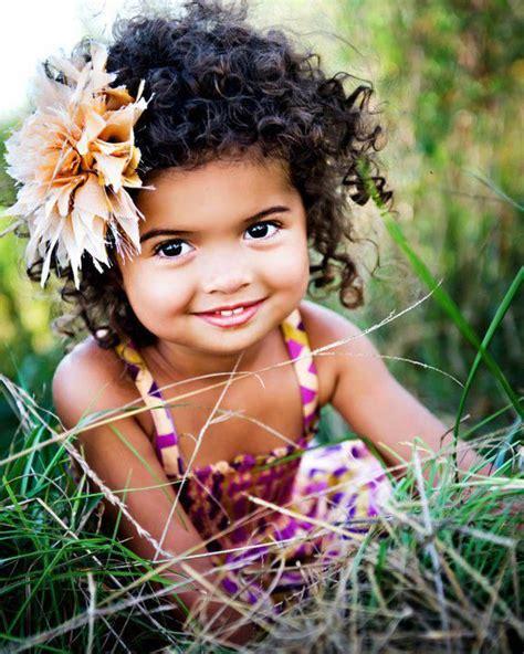 crianca sorrindo riso sorrir humor pinteres