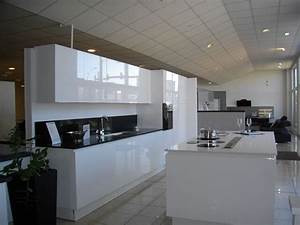 Meuble de cuisine laque blanc for Meuble de cuisine blanc laque