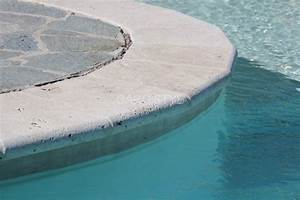 margelle de piscine en travertin 5 cm 1 2 rond carrelage With comment poser des margelles de piscine 5 margelle piscine pour le revetement du rebord de votre
