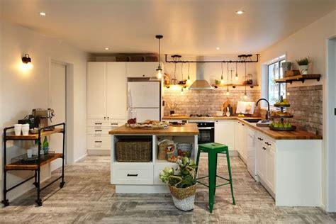 flooring for kitchens 50 best images about kitchen on black granite 7072