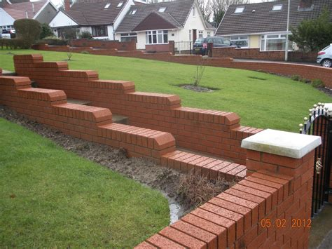 bricks garden pics cwm llynfi bricklaying 9 inch brick garden wall with brick on edge coping