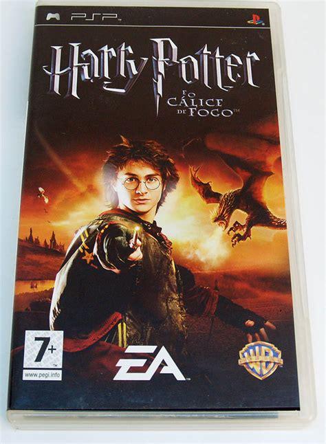 Harry é misteriosamente selecionado como o quarto participante do torneio de tribuxo. Harry Potter e o Cálice de Fogo PSP (Seminovo) - Play n' Play