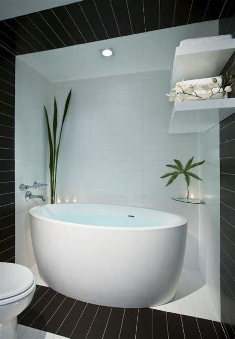 lodging with tub 17 best images about soak on soaking tubs