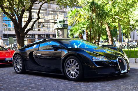 Built in 1993 and still incredible fast in 2019. Bugatti Veyron   Feel free to join my fan page automotive ph…   Flickr