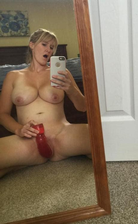 Sex Images Blonde Milf Fucks Her Pussy With Dildo On