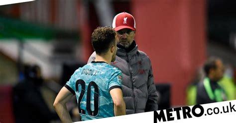 Jurgen klopp sigue recopilando malas noticias en cuanto a lesiones. Jurgen Klopp rates Kostas Tsimikas and Diogo Jota's ...