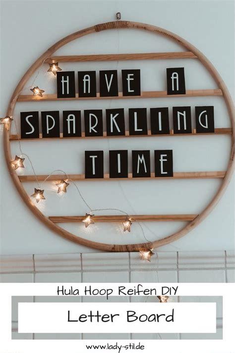 hula hoop selber bauen weihnachtliches letterboard aus hula hoop reifen stil wanddeko selber machen