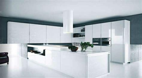 idee deco mur cuisine la cuisine blanche laquée en 35 photos qui vont vous