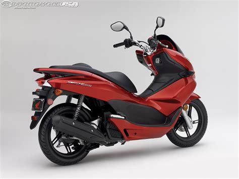 2013 Honda Pcx150 First Ride Photos