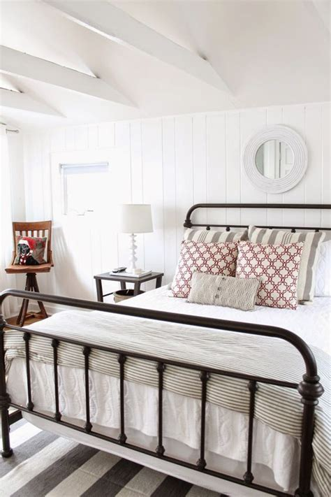 bedroom decorating tips 17 best ideas about farmhouse bedroom decor on pinterest 10382 | 74ed7db4fc29d98cfd9914e8f15321c4