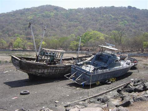 Old Boat Junk Yards by Boat Junkyard Bing Images