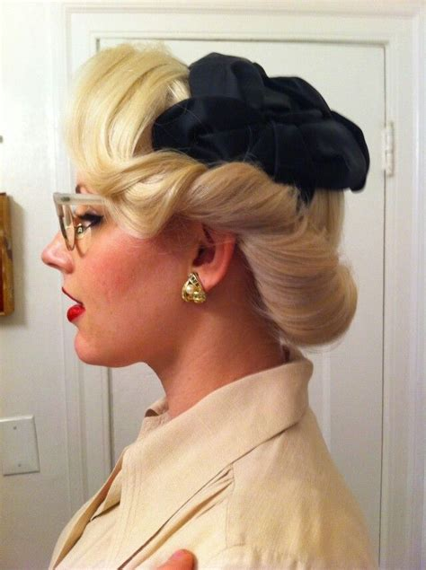 1940s Wedding Hairstyles by Many 1940s Hairstyles Are Meant For With Hair Around