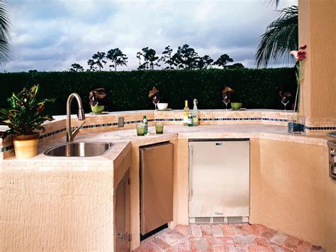 place   outdoor kitchen hgtv