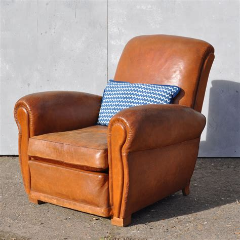 leather club chairs vintage antique leather club arm chair loire home barn 6889