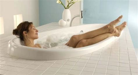 Feat In The Bathtub by Five For Selecting The Right Bath Tub Studio Il Bagno