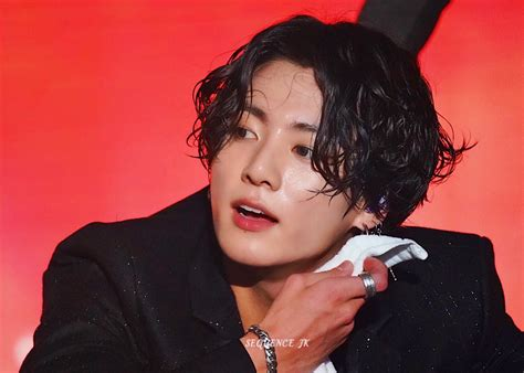 hairstyle  btss jungkook  lotte family concert