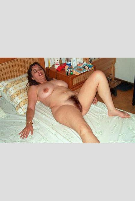 Frau mit unrasierter Fotze - Meine Muschi Bilder geile Fotzen Fotos