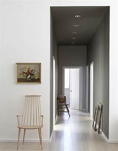 Couloir Gris Et Blanc : peindre son couloir en couleur l astuce d co parfaite pour looker son int rieur elle d coration ~ Melissatoandfro.com Idées de Décoration
