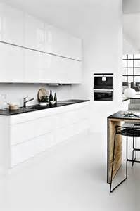 Best Way To Clean White Kitchen Cabinets by Easy To Clean Modern Kitchen Interior Design Design