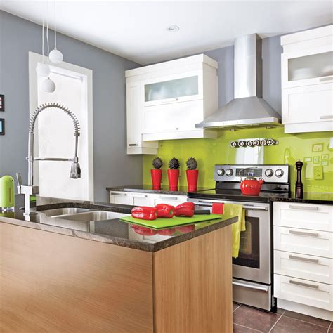 une sauteuse en cuisine une cuisine réanimée cuisine avant après décoration