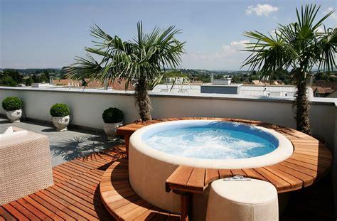 Whirlpool Garten Mit Dach by Softub Whirlpools Erholung F 252 R Garten Und Dachterrasse