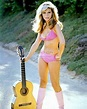 NANCY SINATRA SINGER AND ACTRESS - 8X10 PUBLICITY PHOTO ...