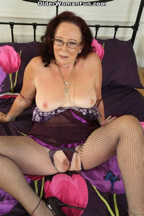 62 Year Old English Granny Zadi Spreads Her Old Pussy