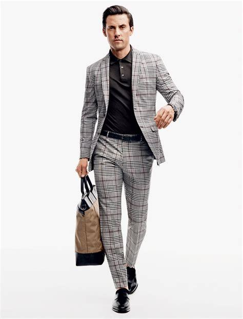 milo ventimiglia de terno e gravata para a gq magazine