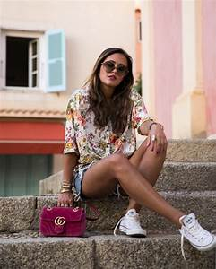 Chanel Handtasche Klassiker : streetstyle look with floral patterned blouse white chucks and pink gucci marmont velvet shop ~ Eleganceandgraceweddings.com Haus und Dekorationen