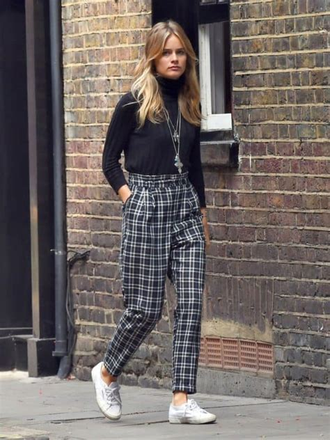 The Best Ways To Wear Plaid Pants This Spring Summer Season