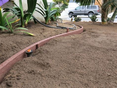 bender board edging   lawn  garden