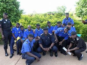 Uniforme Police Nationale : la nouvelle trouvaille de la police malienne ~ Maxctalentgroup.com Avis de Voitures