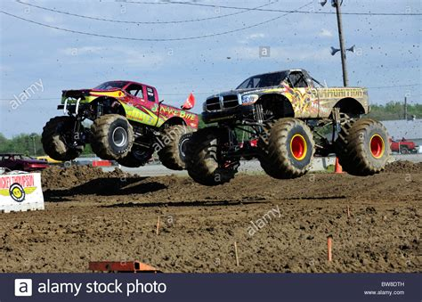 racing monster trucks monster trucks race at freestyle competition at 4x4 off