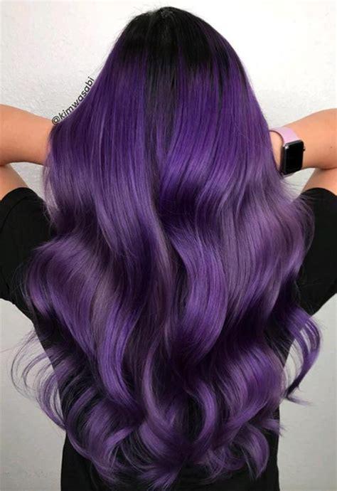 cabelo violeta de  tons  fundos diferentes