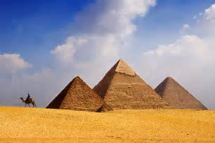 Le Led Peggy Pyramid by Exploring The Pyramids Of Giza A Visitors Guide Planetware