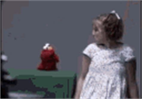 Elmo Potty Chair Gif by The Popular Pooping Elmo Gifs Everyone S