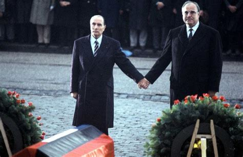Photo Gallery Is Helmut Kohl Being Held Like Live Helmut Kohl European Funeral Ceremony Event