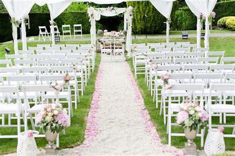 freie trauung deko freie trauung in rosa mit stoffbahnen dekoriert freie trauung stoffbahnen
