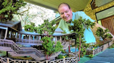 Cozy locally owned coffee shop in socal that has on outdoor space that looks and feels like a charming treehouse. Lake Mary man plans cafe 'up in the trees' - Orlando Sentinel